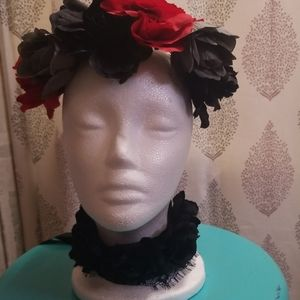 Crown/headband and black roses choker
